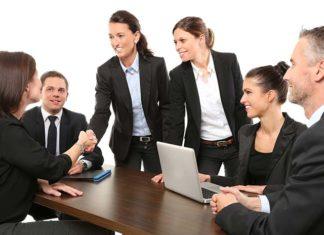 Komunikacja interpersonalna – w jakim zawodzie jest to przydatna umiejętność?