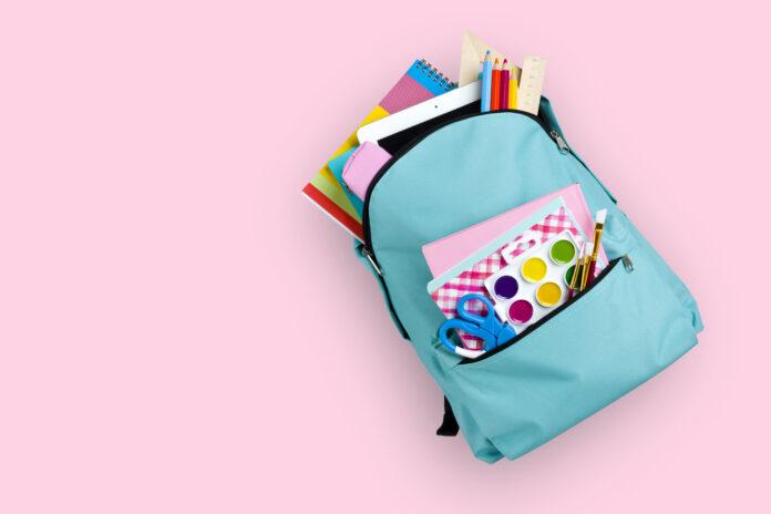 czym kierować się podczas wyboru plecaka i torby dziecięcej do szkoły?